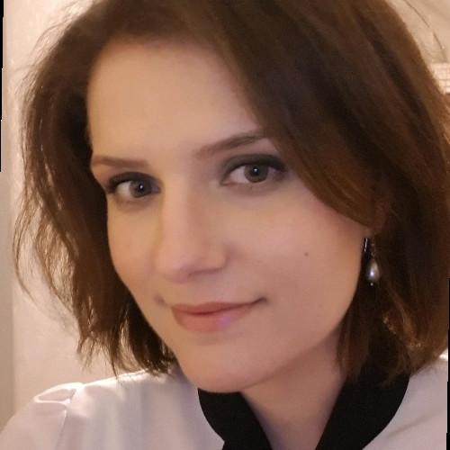 Anna Cieślik, CAIA
